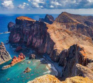Boka hyrbil & biluthyrning på Madeira