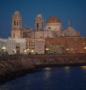 Biluthyrning & hyrbil i Cádiz