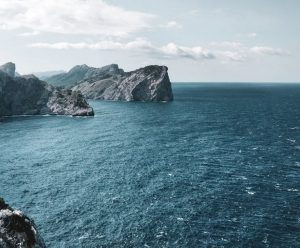 Boka hyrbil & biluthyrning på Balearerna