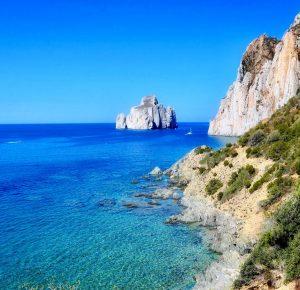 Boka hyrbil & biluthyrning på Sardinien