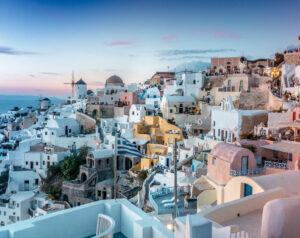 Boka en hyrbil på Santorini