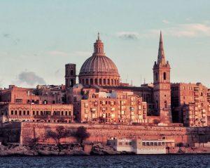 Biluthyrning & hyrbil i Valletta