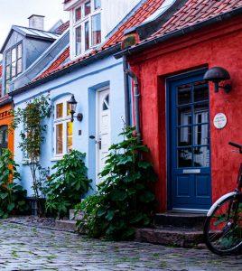 Biluthyrning & hyrbil i Århus