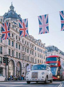 Hitta hyrbil & hyra bil i Storbritannien
