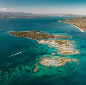 Biluthyrning & hyrbil i Agios Nikolaos