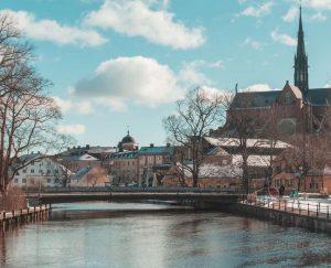 Biluthyrning & hyrbil i Uppsala