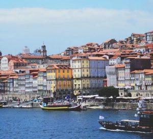Biluthyrning & hyrbil i Porto