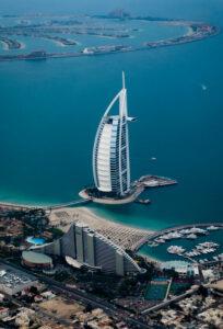 Billig biluthyrning & hyrbil i Dubai