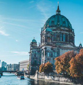 Biluthyrning & hyrbil i Berlin