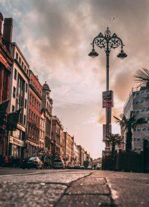 Biluthyrning & hyrbil i Dublin