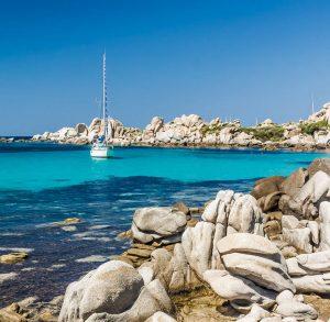 Boka hyrbil & biluthyrning på Korsika