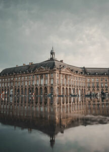 Billig biluthyrning & hyrbil i Bordeaux