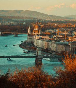 Biluthyrning & hyrbil i Budapest