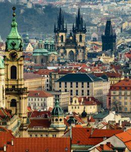 Billig biluthyrning & hyrbil i Prag