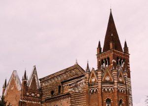 Biluthyrning & hyrbil i Verona