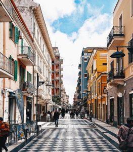 Biluthyrning & hyrbil i Pescara