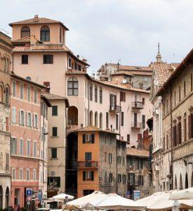 Biluthyrning & hyrbil i Perugia