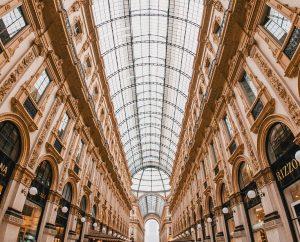 Biluthyrning & hyrbil i Milano