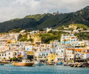 Boka hyrbil & biluthyrning på Ischia