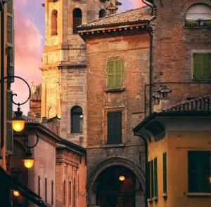 Hyrbil & hyra bil i Emilia-Romagna