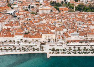 Biluthyrning & hyrbil i Split
