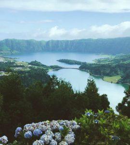 Boka hyrbil & biluthyrning på Azorerna
