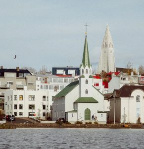 Biluthyrning & hyrbil i Reykjavik