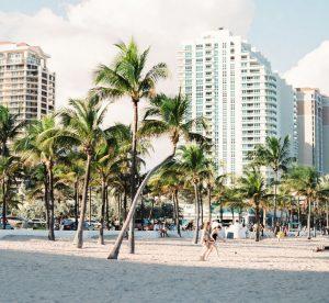 Biluthyrning & hyrbil i Miami