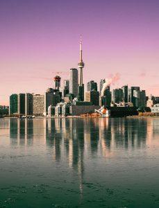 Biluthyrning & hyrbil i Toronto