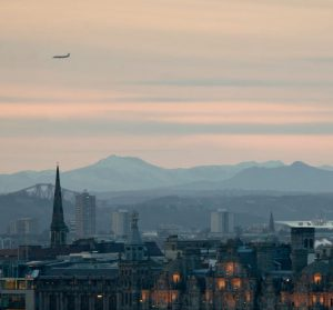 Hyrbil & biluthyrning Edinburgh Airport