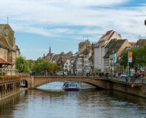 Hyrbil & biluthyrning Strasbourg flygplats