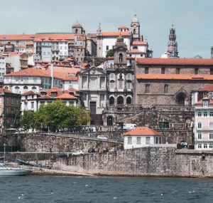 Hyrbil & biluthyrning Porto flygplats