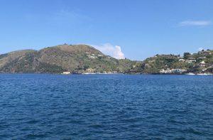 Boka hyrbil & biluthyrning på Eoliska öarna